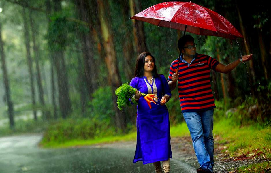 candid-during-rain