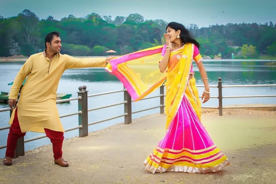 How Candid Photography Is Taking Over Weddings!